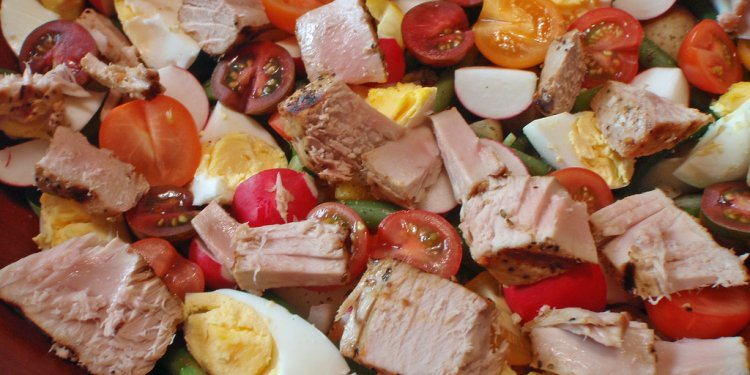 Salade Nicoise (close-up