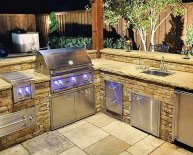 Backyard barbecue Grills